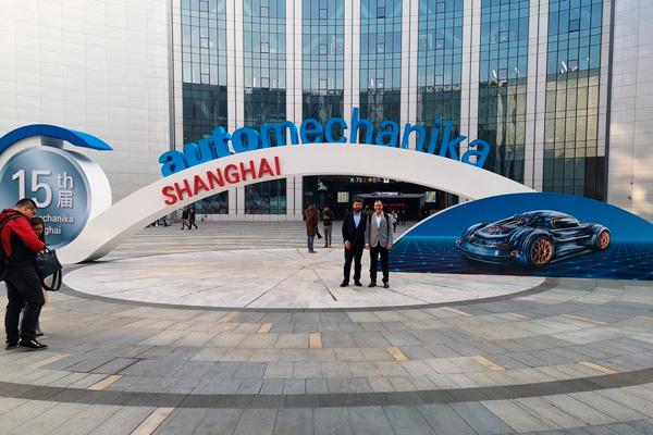 Lambda-Automotive-en-Automechanika-Shangai