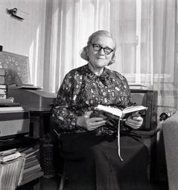 Rozsa Péter, mujer pionera en la informática.